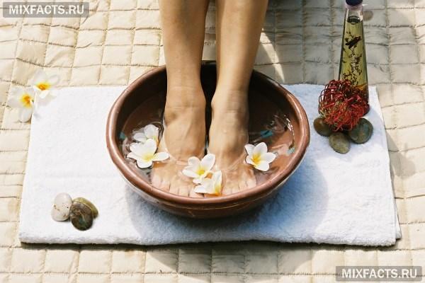 Попарить ноги с содой