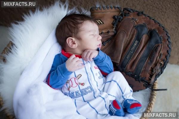 Как выбрать комбинезон для новорожденных?