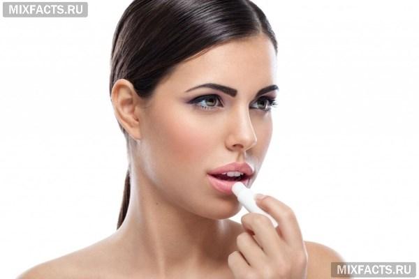 Трескаются губы (сохнут, шелушатся): какого витамина не хватает