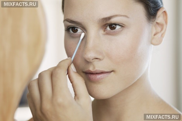 Использование витамина Е для кожи вокруг глаз