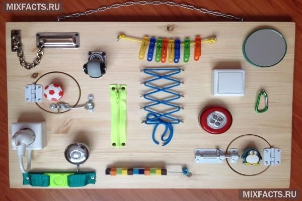Как сделать бизиборд своими руками для мальчика и девочки? Какие материалы и элементы использовать?