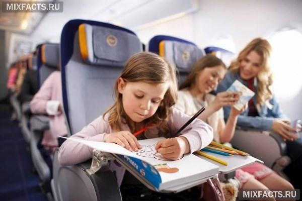 Чем занять ребенка в поезде 1 год