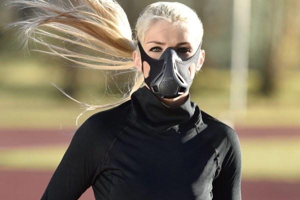 Для чего нужна тренировочная маска выносливости и как ее правильно выбрать?