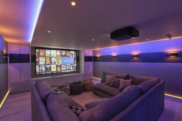 Обзор лучших домашних кинотеатров с функцией караоке, беспроводной акустикой, оптическим входом