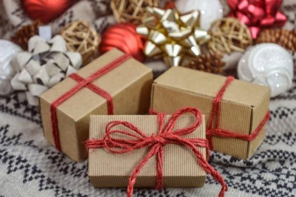 Недорогие подарки на Новый год – что подарить друзьям и родственникам при низком бюджете?